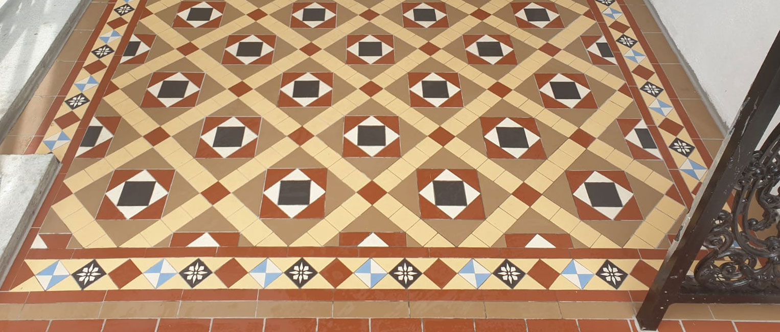Victorian floor tiles with encaustic tiles - Martin Mosaic