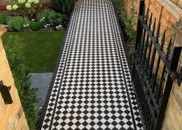 Pathway. Tiles 5cm x 5cm thick 5mm. Colours: white, black. Wimbledon.