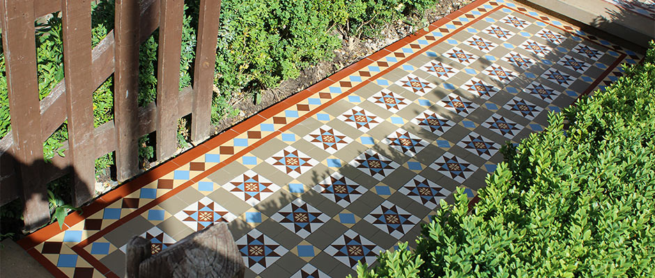 Geometric floor tiles with encaustic tiles